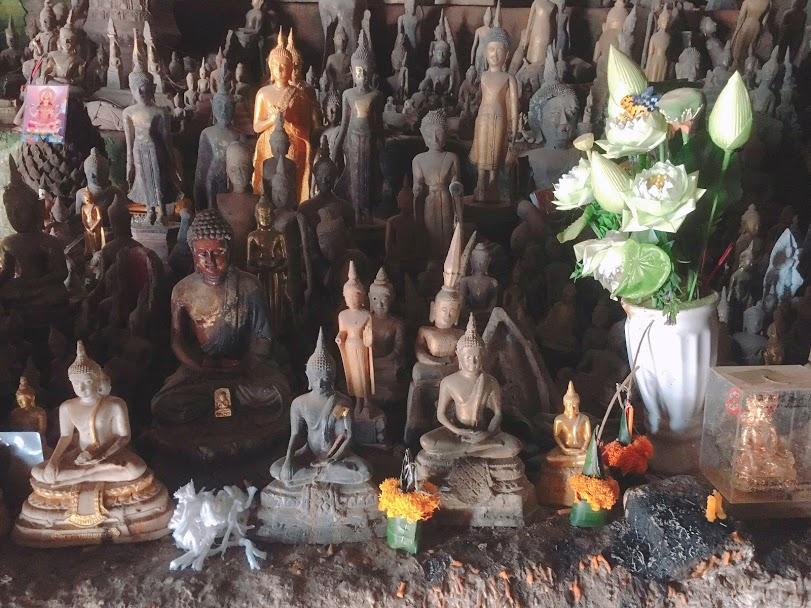 ルアンパバーン パクウー洞窟