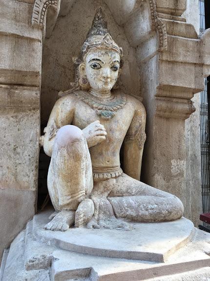 バガン 観光 仏像