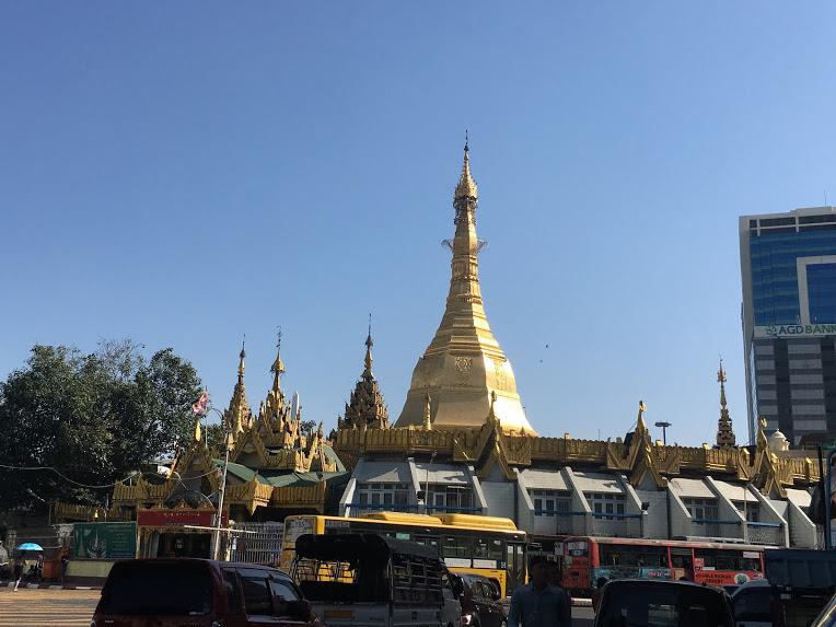 ヤンゴン スーレーパゴダ
